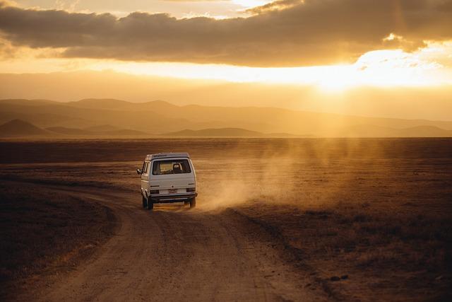 Wyjazdy międzynarodowe czy musimy podróżować osobistym środkiem lokomocji?